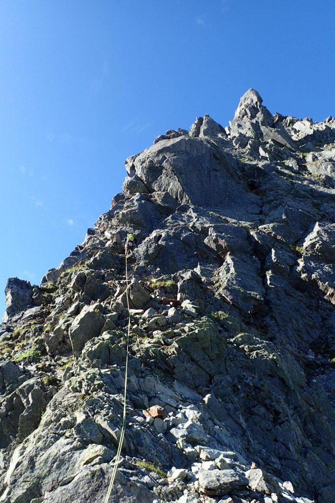 3峰の出だしのピッチ トポではこの辺りが取り付きになっている