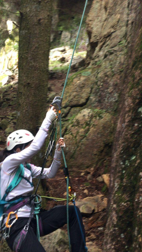 1p目の5.11bでは、フォローはユマールで登る