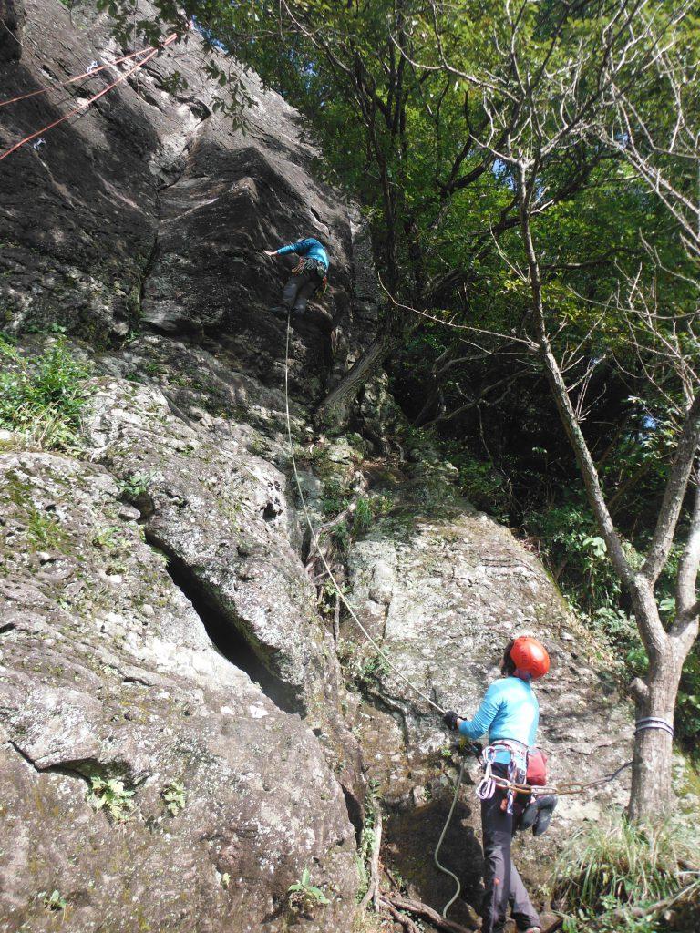 """アップで""""いんちきするな""""を登るタナミーさん。"""